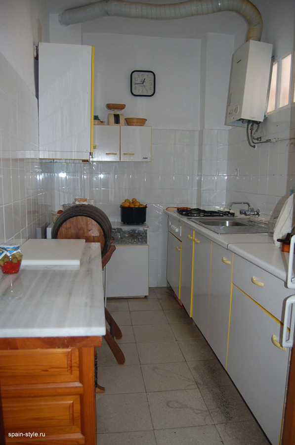 Penthouse near the beach in Almuñecar,  the kitchen