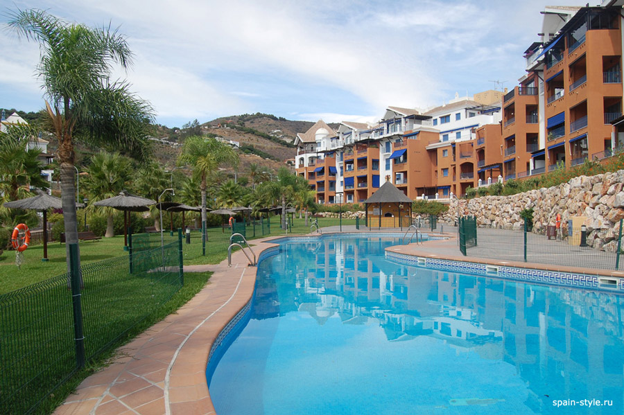 Community pools for kids and adults, Beachside apartment in the Galera Playa, Almunecar