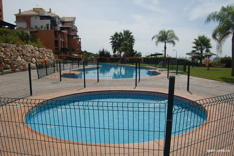 Beachside apartment in the Galera Playa, Almunecar, Community pools for kids and adults