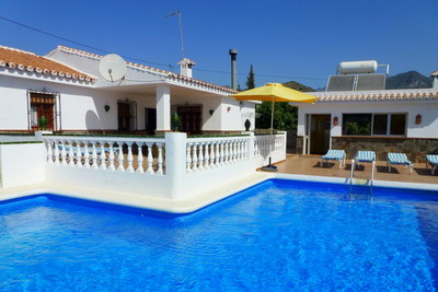Detached house for rent in Nerja