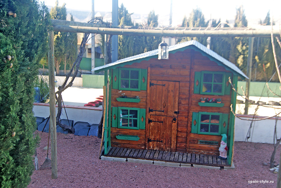 Kids playhouse,, Country house in Granada with a tourist accommodation business
