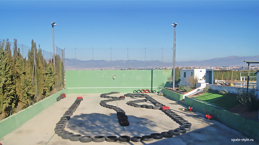 The track  easily adaptable for tennis courts or basketball and volleyball courts