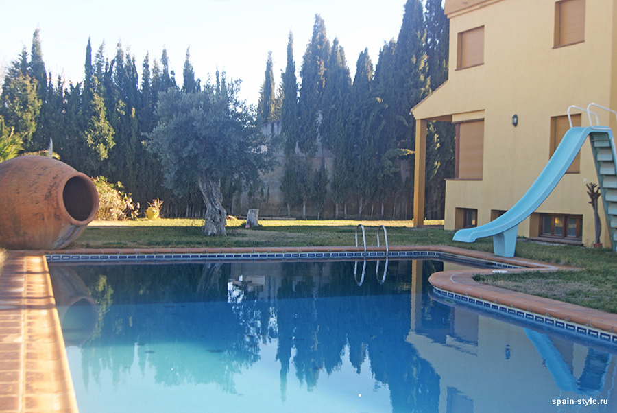 Swimming pool, Country house in Granada with a tourist accommodation business