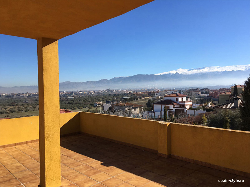 View from the attic to Sierra Nevada, Country house in Granada with a tourist accommodation business