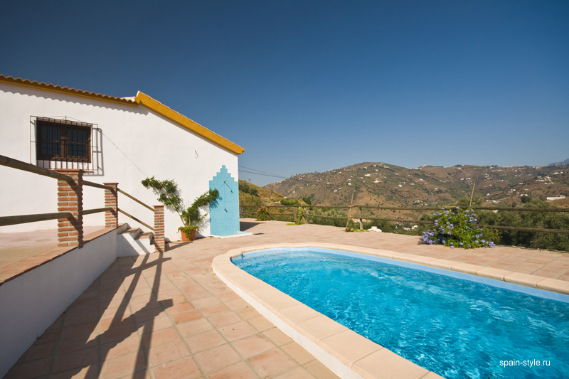 Country  house  with pool for sale in Torrox, Swimming Pool