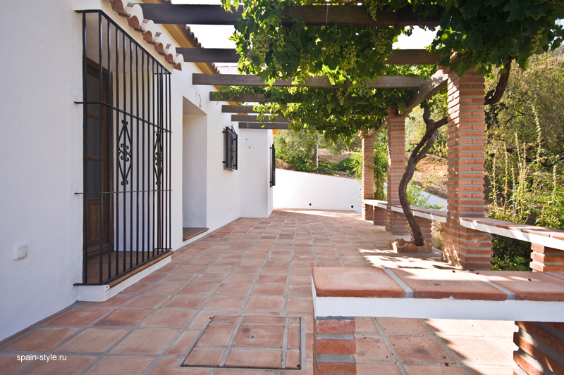 Country  house  with pool for sale in Torrox, Terrace