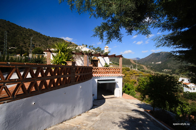 Large Garage,  Country house for sale in Torrox