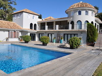 Holiday seaview villa in Benalmádena