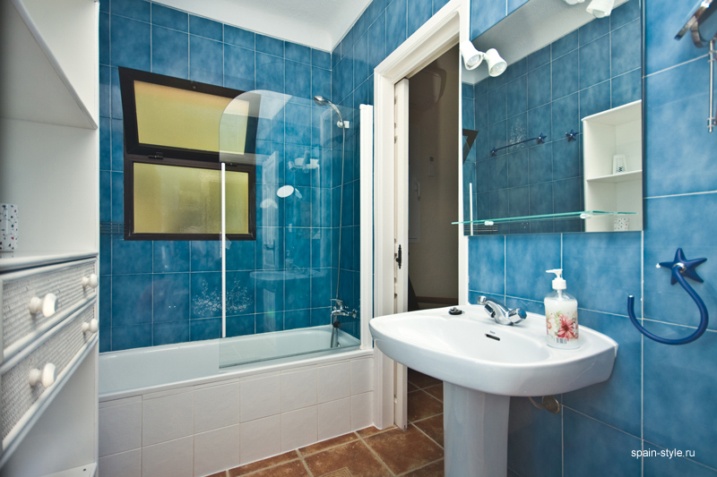 Bathroom, Seaview villa in Punta Lara, Nerja