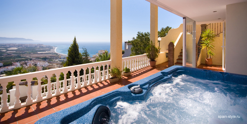 Jacuzzi on terrace, Seaview villa in Punta Lara, Nerja