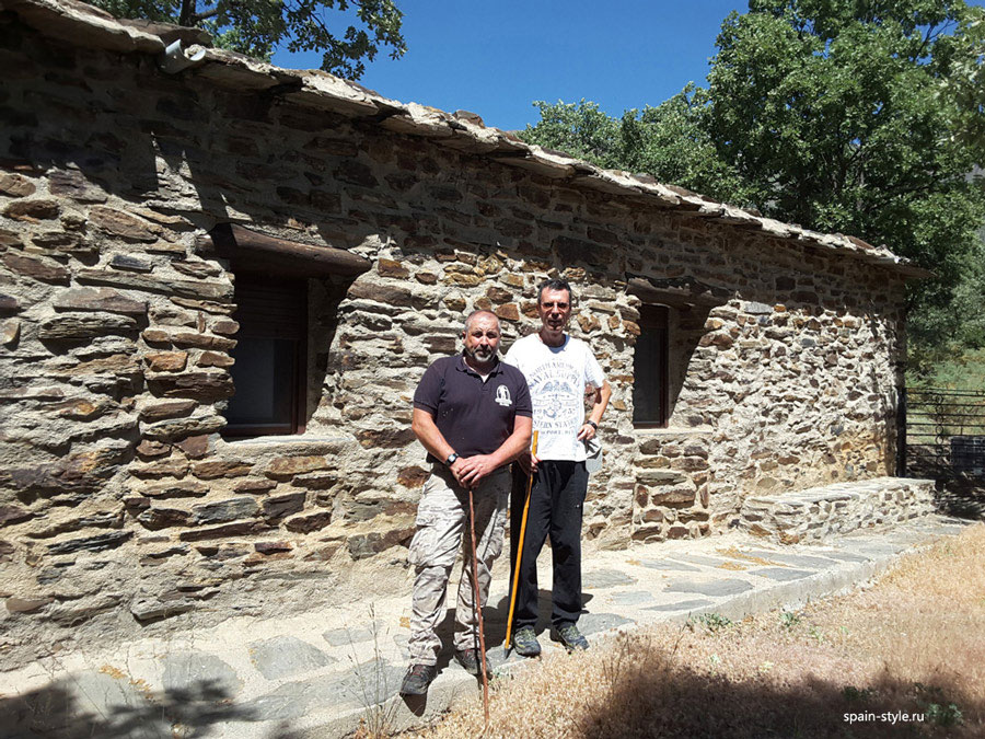 The seller with his brother,  Country house with  7 ha land in the Sierra Nevada National Park