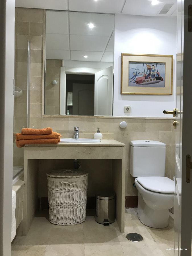 Apartment for rent in Marbella, Golden Mile,  Bathroom