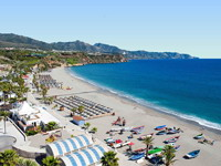 Playa Burriana en Nerja