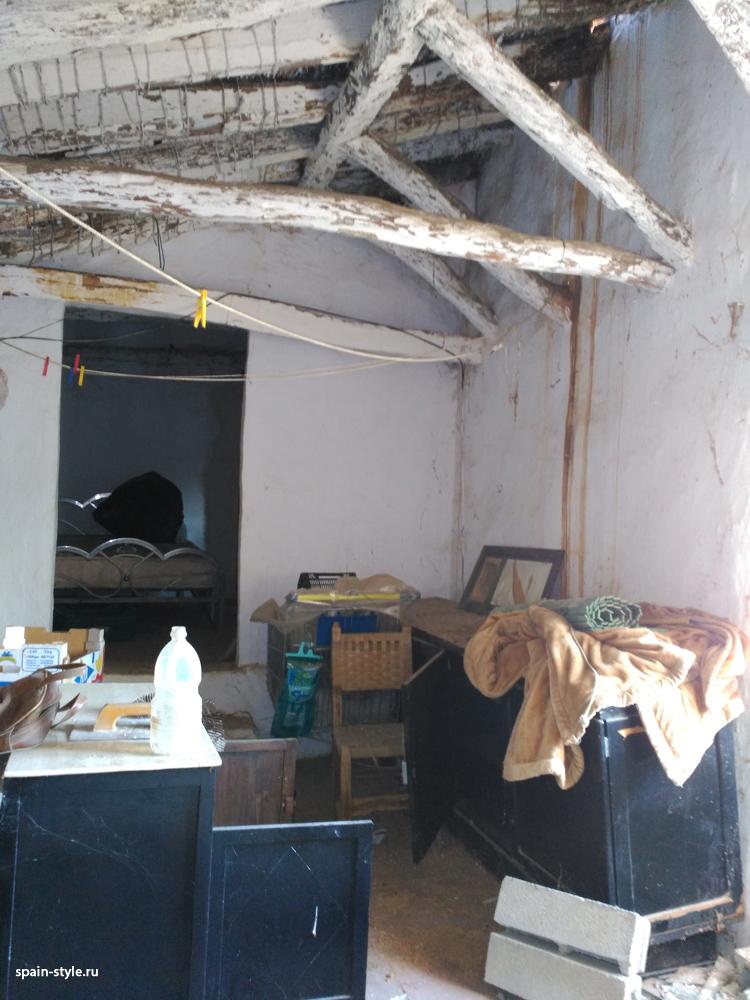 La vivienda antigua,  Molino de aceite y pequeña bodega en la Sierra cerca de Motril