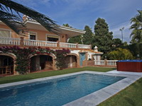 buy luxury villa in Almuñecar