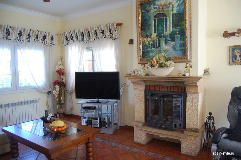 Seaview villa for sale in Nerja  , Large lounge/diner with fireplace,