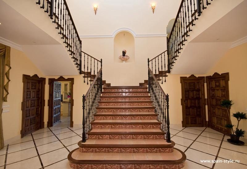Escaleras de casas de lujo ideas de disenos for Escaleras de casas de lujo