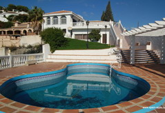 luxury villas and manors in Spain